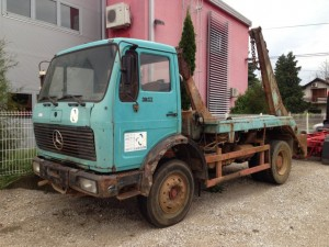 mercedes 16 17 abzetz kipper kontejnere slika 41807357 300x225 Prodaja vozila